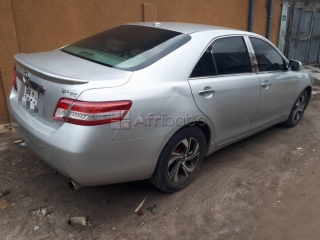 Toyota camry xle 2011 bn..