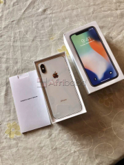 Vente d'un iphone x de 64gb,état 10/10 sans ingratinure