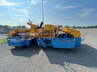 Rouleau bomag 220 ad