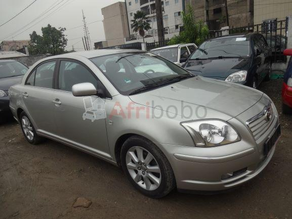Toyota Avensis année 2005 Berline, occasion d\'Europe #1