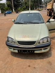Toyota Avensis 1999 berline occasion d'Europe