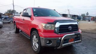 Pickup-Toyota Tundra 4x4wd  version 2008-occasion en or
