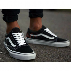 Vans old skool - noir et blanc- pointures 40-45