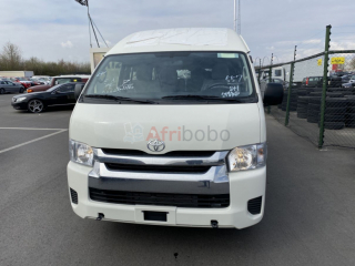 Toyota hiace 2019 15 places