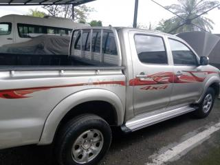 Toyota hilux  pick up 2010 immatriculée
