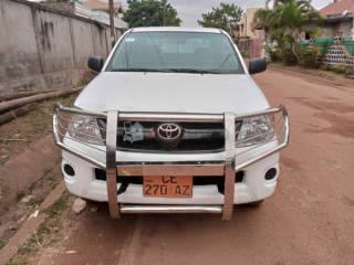 Toyota pickup hilux année 2011 occasion d'europe double cabine