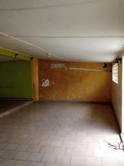 Grand Espace commercial/Magasin a Akwa