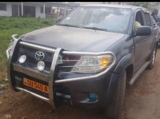 Toyota hilux année 2009 pick up double cabine diesel  immatriculee