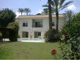 villa with swimming pool for rent inside Garana Farm