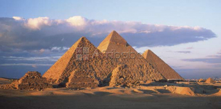 Explore the Pyramids like never before with Pryamids tour Egypt!