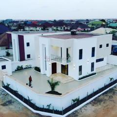 Executive 4 bedroom house for sale at west trasacco