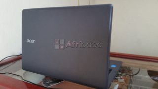 Vendo una laptop acer mini