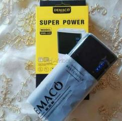 Powerbank demaco 20 000mah 5v/ 2.1a fast charge usb * 2   lampe