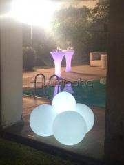Mobilier lumineux-structure gonflable