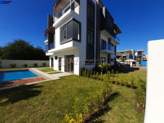 2 Semi-Detached Villas for Sale in Bain Boeuf