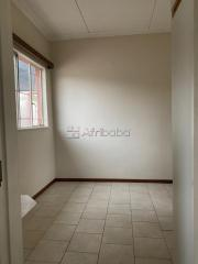 Bachelor flat to rent in Hochlandpark