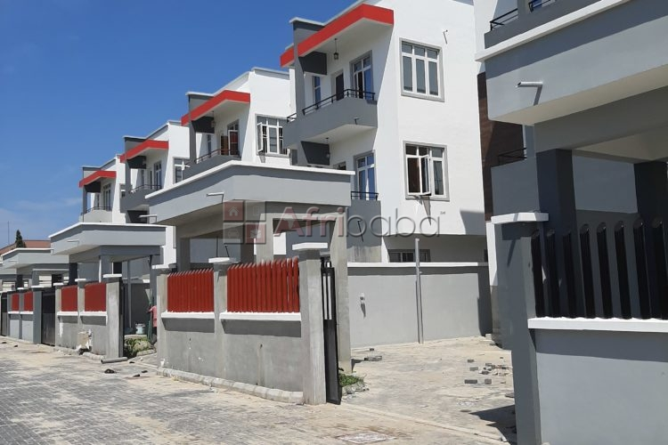 For sale 5 bedroom fully detached duplex with bq ,and swimming located #1