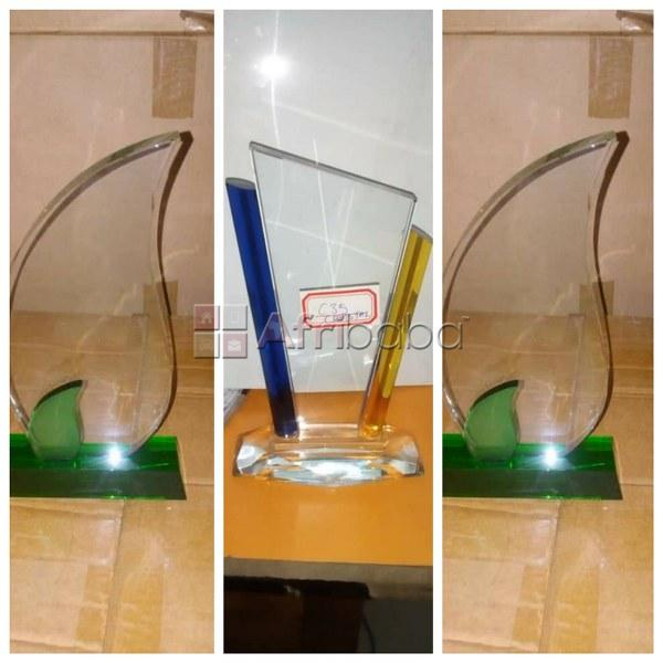 At Excellence Awards International Get your Glass/crystal Award plaque