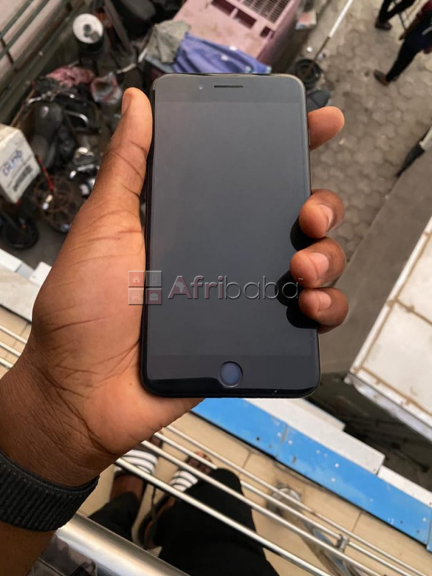 London used iphone 7plus 32gb for sale (call or whatsapp - #1