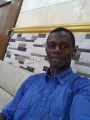 Hello am eminex looking for some one girl woman or lady to be love