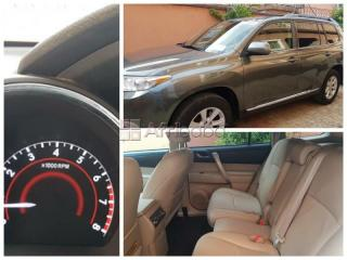 Toyota highlander 2012 model (tokunbo) negotiable