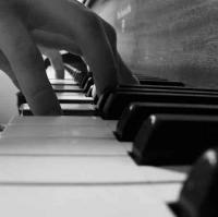 Learn how to play piano at your own convenient time and place.