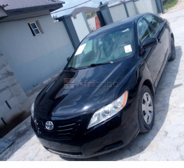 Buy toyota camry 2008 model, clean