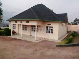 Gikondo house for sale/4 bedrooms