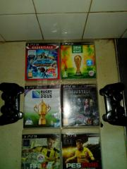 PlayStation 3 with 2 controllers,6 games