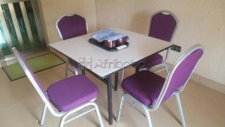 Appart meuble complet a togo 2000