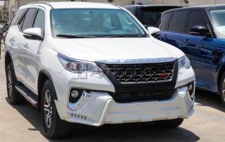 2017 toyota fortuner lhd