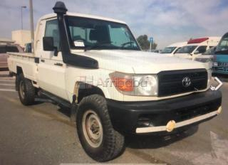 2010 land cruiser pick up