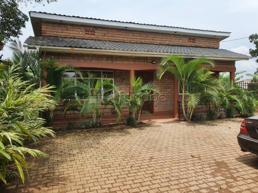 English Style two bed room house at 800000 in Kirinya, Bweyogerere. #1
