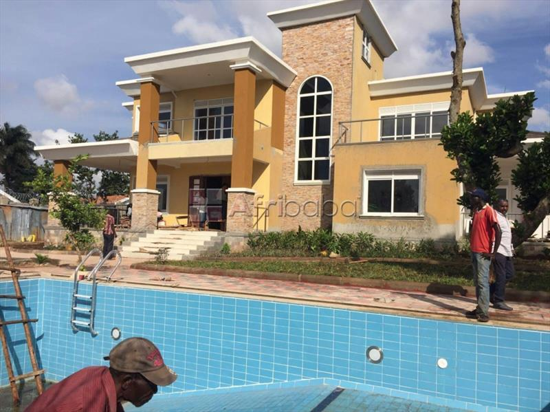 House for sale in Muyenga (Mansion) #1
