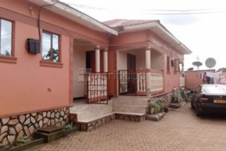 Nice self cotained double room in Kito, Kirinya with ward ropes.