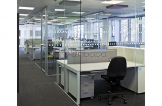Tougnened glass office partitioning kampala(u)