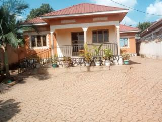 Four self contained bed room stand alone at 1m in Mbalwa, Kyaliwajala