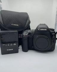 Canon 5d mark iv dslr camera ???? for sale with double lenses