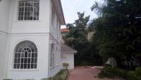 5 bedroom mansion for rent at Munyonyo