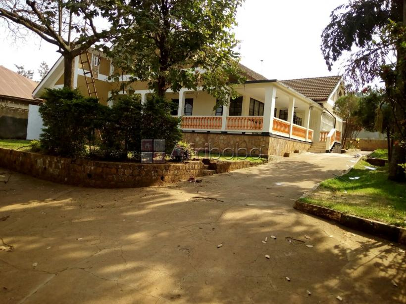 Bungalow for QUICK sale at Namirembe near Namirembe cathedral #1