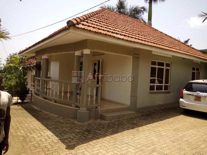 Bungalow for rent at Mutungo #1
