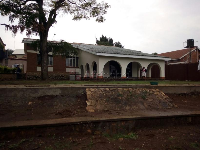 Bungalow for rent at Mutungo hill after Bugolobi #1