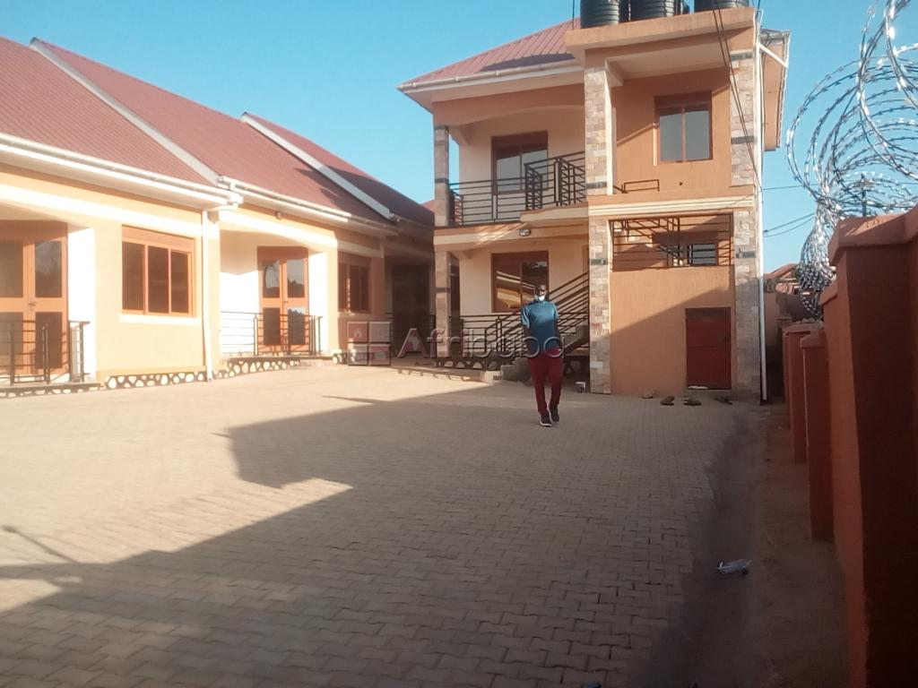Brand new self contained house at 500000 a month in Kirinya. #1