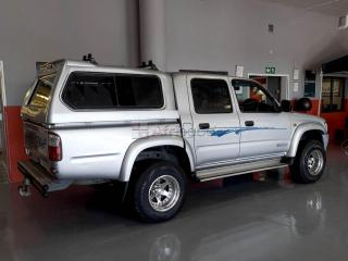 2001 Toyota Hilux 2700i Raider Raised Body Double Cab
