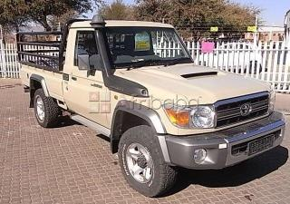 2015 toyota land cruiser s-cab 4.5 v8 diesel. r  (bank repo)