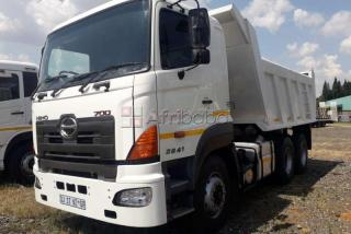 Hino hino   cubic tipper truck for sale