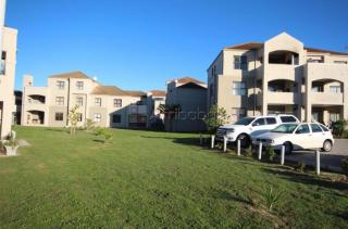 2 bedroom apartment / flat to rent in vredekloof, brackenfell