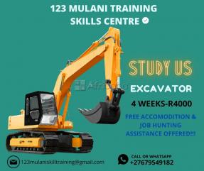 Learn how to operate an excavator with us for 4 weeks