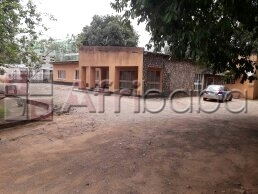 Five bedrooms house in roma mutandwa road